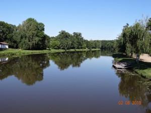 Die Elbe - ein ruhiger langer Fluss, Schönheit der Natur in Tschechien.