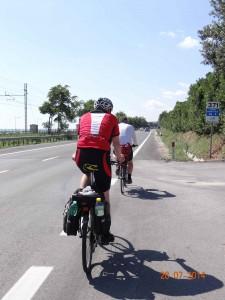 On the road again, Sonne und Hitze inclusive bei Temperaturen von über 30 Grad.