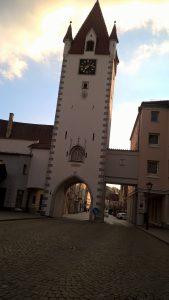 Ein erstes Ziel - das Stadttor von Mindelheim.