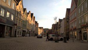 Die Altstadt von Mindelheim in der Abendsonne.