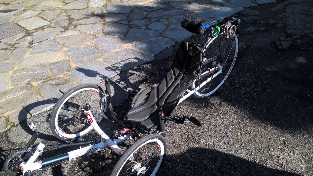 Mein geliebtes Radl - vollkommen splitterfasernackt