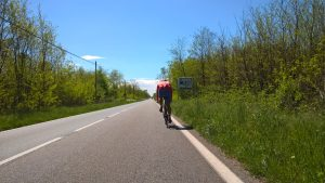 Ein Rennradfahrer in nicht geringem Tempo vor mir. Eine echte Herausforderung an diesem sonnigen Morgen