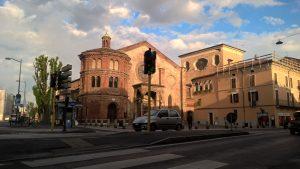 Endlich in Cremona nach heftigem Gegenwind, Frühling mit Wind, Sommer mit Hitze, und jetzt am Abend mit gehöriger Kälte