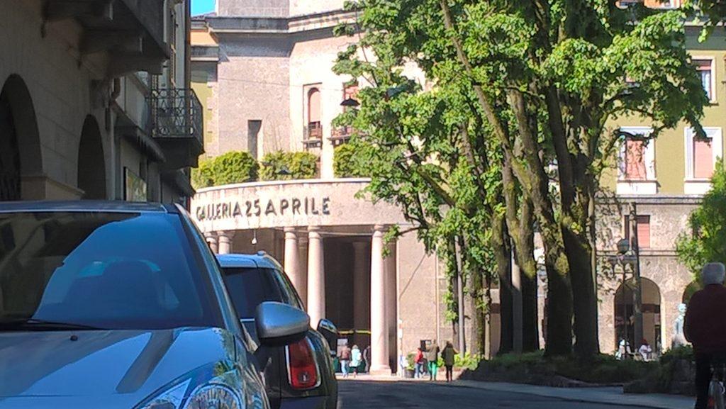 Das Gebäude zum Nationalfeiertag. Dafür ist die Inschrift erstellt worden