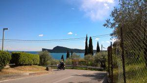 Der Blick von San Felice aus hinüber zur Hundeschnauze von Manerba